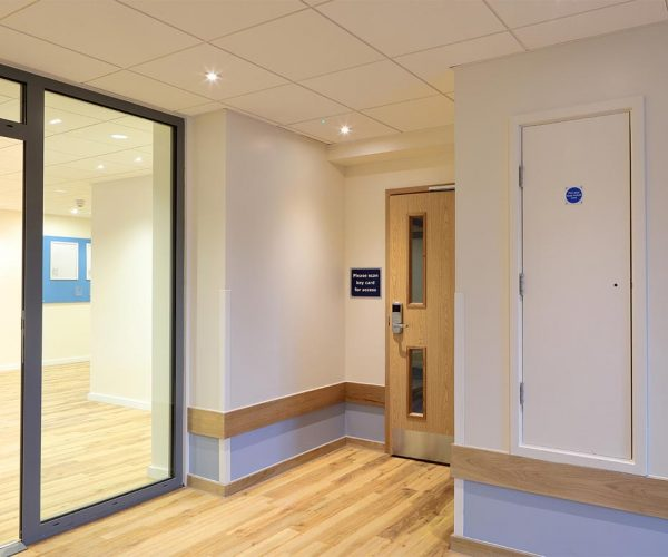 1024px__0012s_0014_Travelodge-Redhill-17-low res.jpg